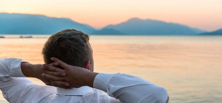 چگونه سفر و تعطیلات به سلامت روانی کمک می کند و باعث افزایش کارایی می شود